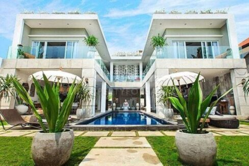 Villa à vendre à Seminyak Bali FH-0037 i-min