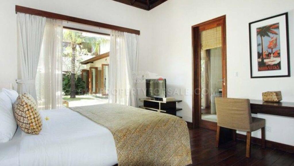 Seminyak Bali villa for sale FS7007 k-min