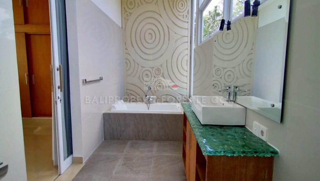 Ubud Bali villa for sale AP-UB-015 d-min