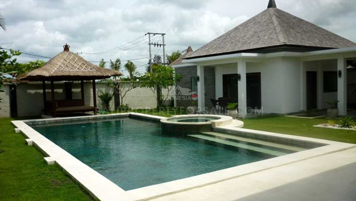Berawa-Bali-villa-for-sale-FH-0264-a-min