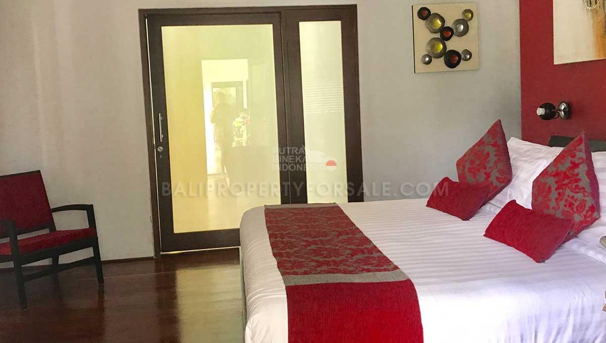 Berawa-Bali-villa-for-sale-FH-0264-l-min