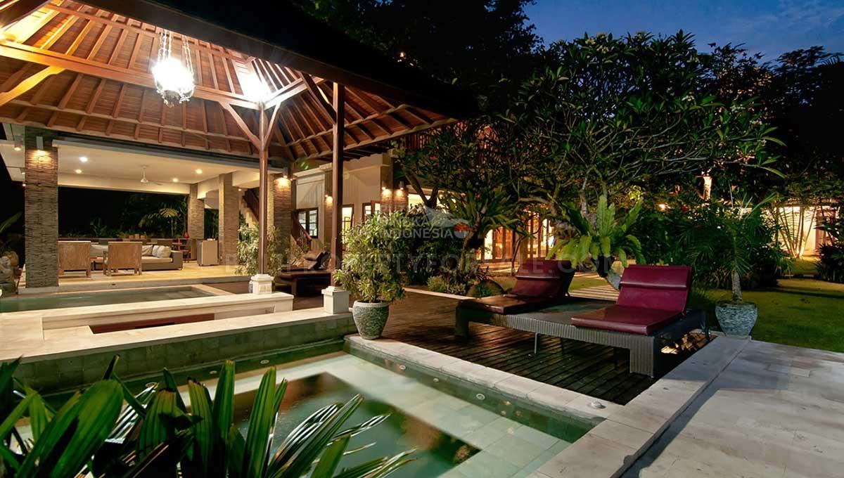 Berawa-Bali-villa-for-sale-FS7035-b-min