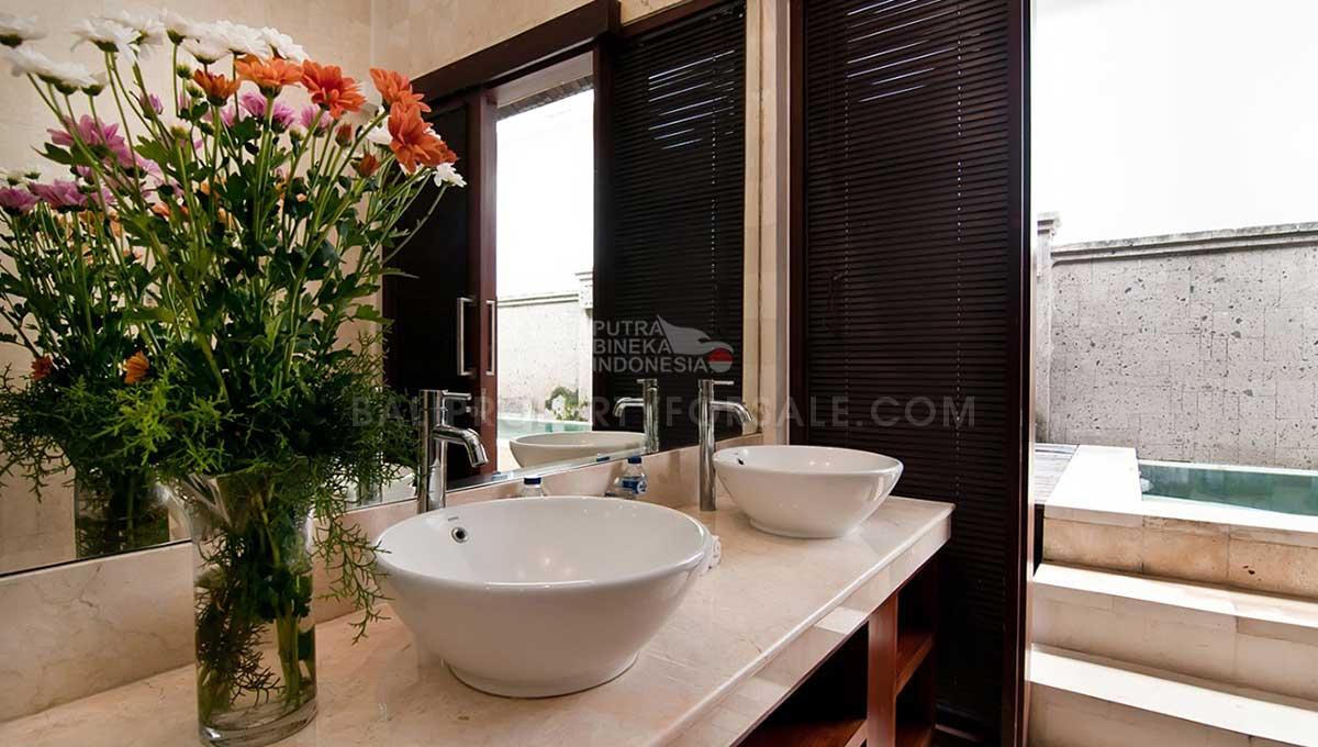 Berawa-Bali-villa-for-sale-FS7035-c-min