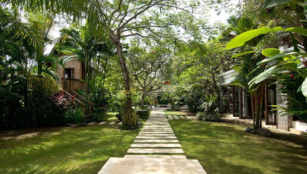 Berawa-Bali-villa-for-sale-FS7035-t-min