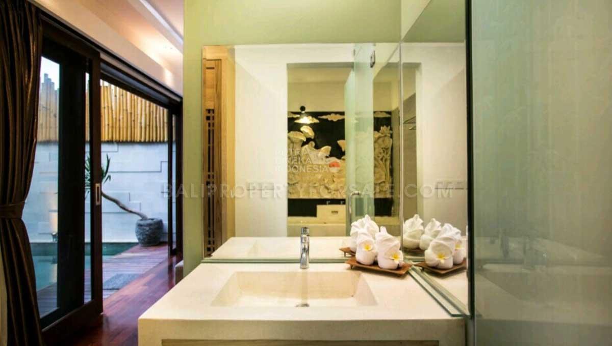 Seminyak-Bali-villa-for-sale-FH-0210-g-min