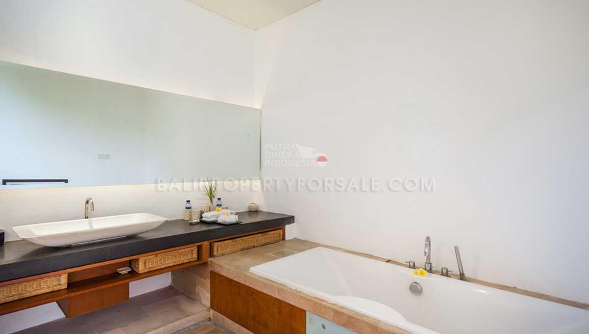 Batu-Belig-Bali-villa-for-sale-FH-0303-m-min