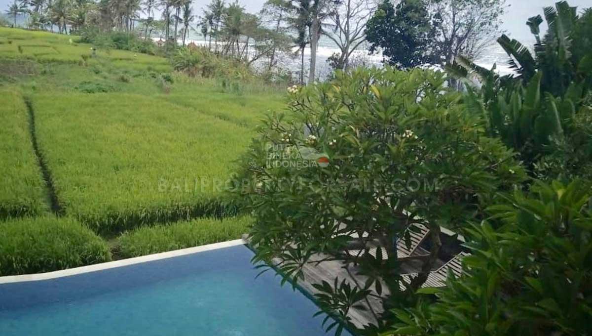 Cemagi-Bali-villa-for-sale-FH-0269-h-min