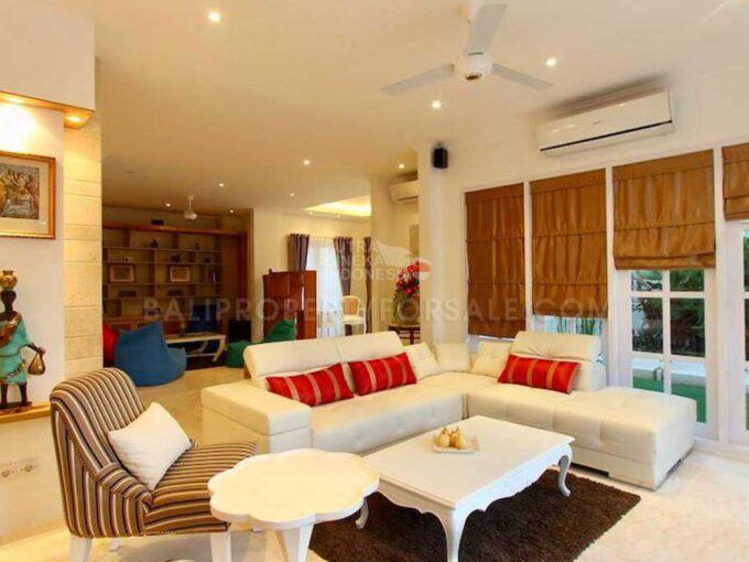 Seminyak-Bali-villa-for-sale-FH-0702-f-min