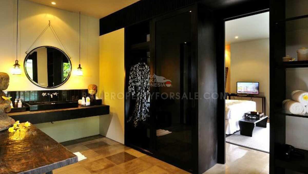 Seminyak-Bali-villa-for-sale-FH-0705-d-min
