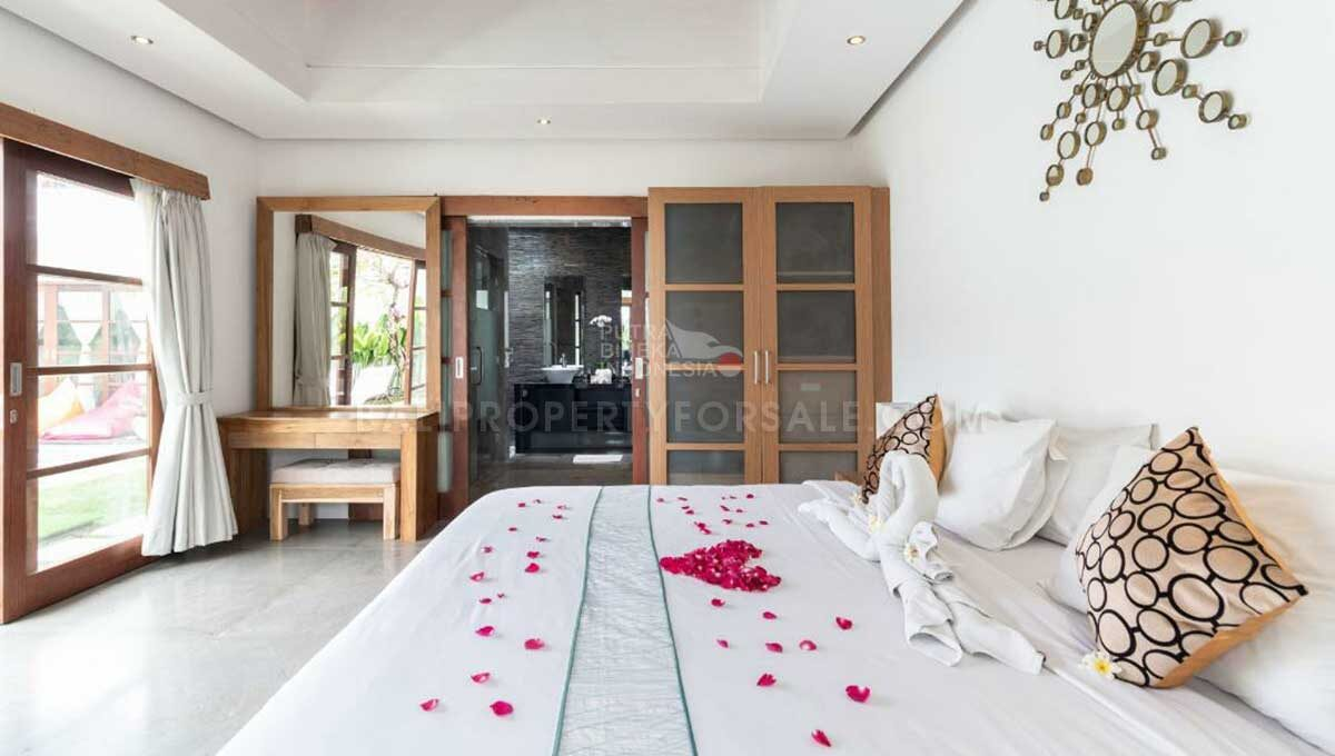 Seminyak-Bali-villa-for-sale-FH-0707-b-min