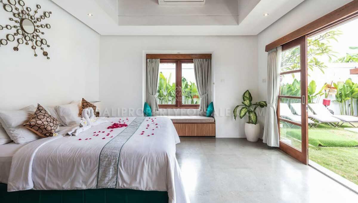 Seminyak-Bali-villa-for-sale-FH-0707-f-min