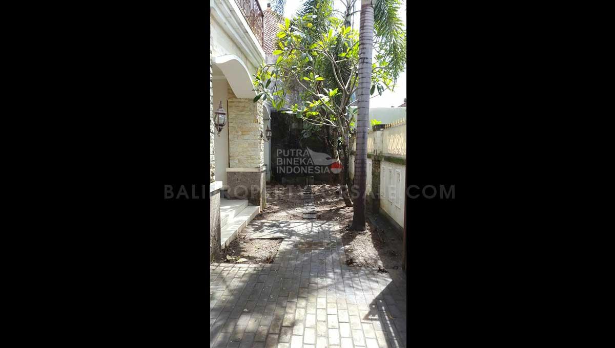 Denpasar-Bali-house-for-sale-FH-0784-c-min
