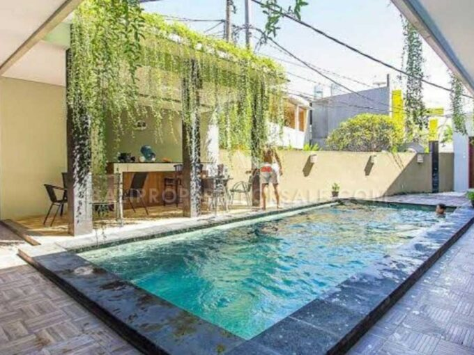 Guesthouse-for-sale-Tuban-FH-1396-j